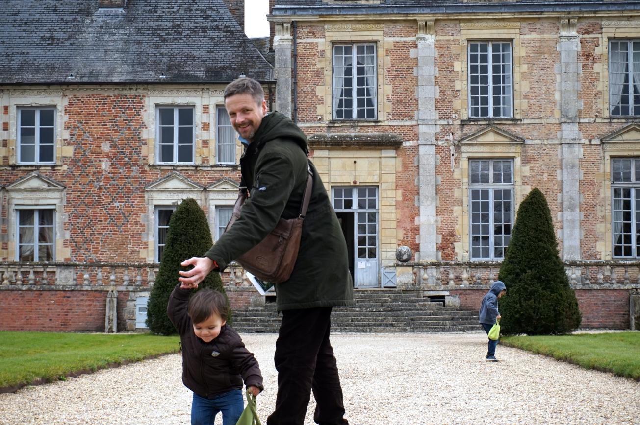 chase aux oeufs dans le châteaux 2