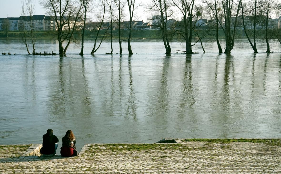 Sentados delante del Loira