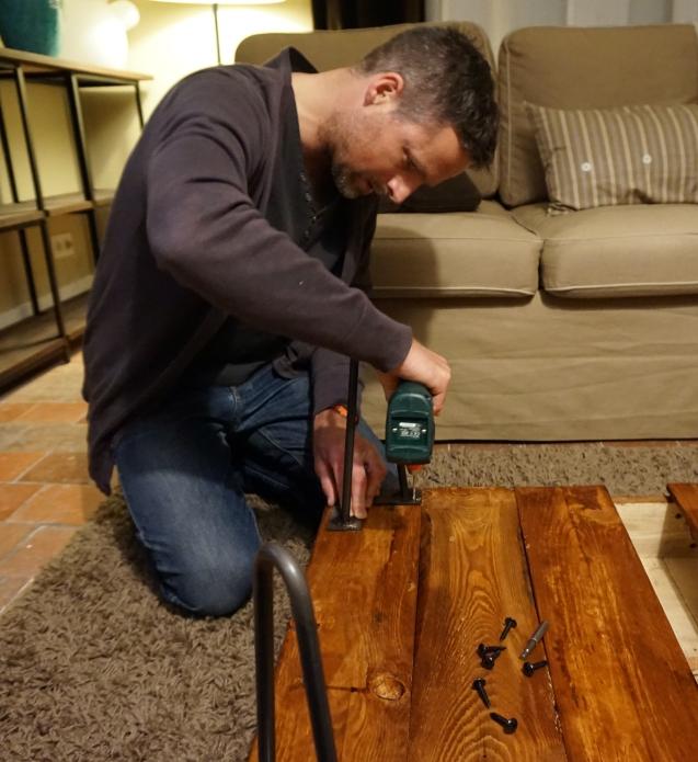 Como hacer una mesa baja de salon 10