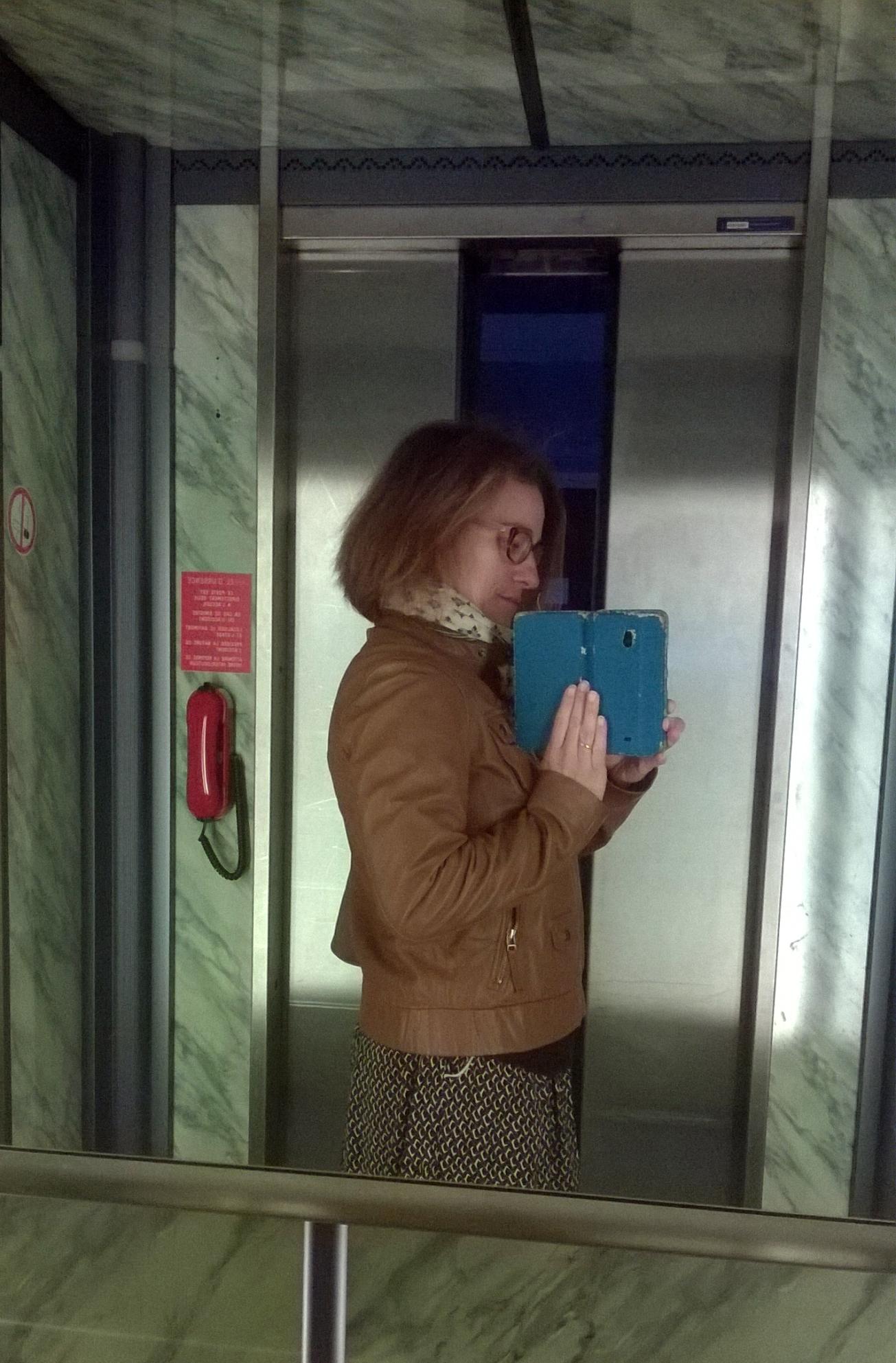ma-petite-tribu-on-the-lift-10