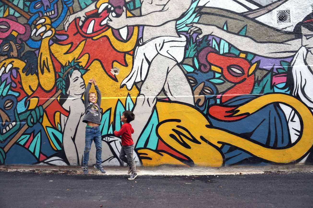 ma petite tribu grafitis 2-min